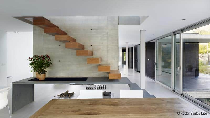 EINS House by Óscar Pedrós