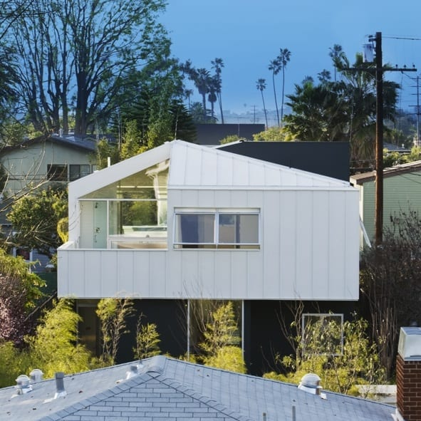 Floating Bungalow by Bestor Architecture