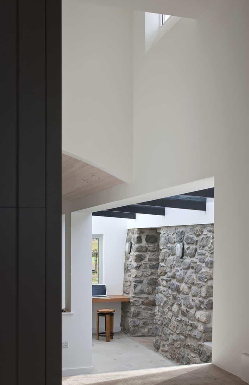 House Number 7 Cottage by Denizen Works