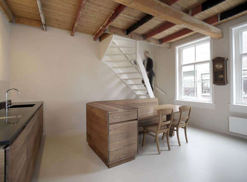 Pied à Terre by Unknown Architects