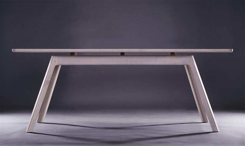 Jugo Table by Stuido Gud