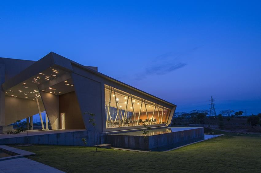 Myra School of Business by Architecture Paradigm
