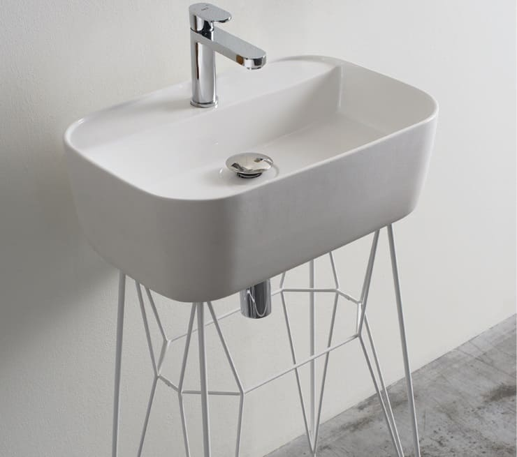 Gus Washbasin by Michael Hilgers