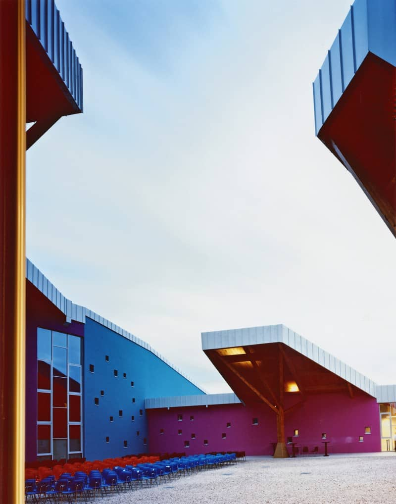 Colorful school in Vicenza, Italy2