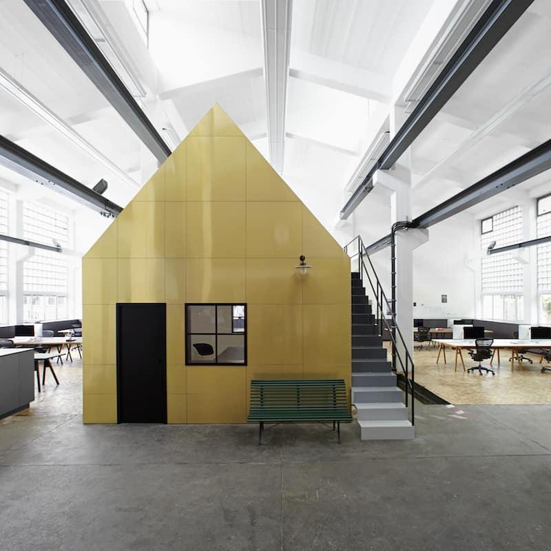 Halle A by Designliga Workspace design by Designliga