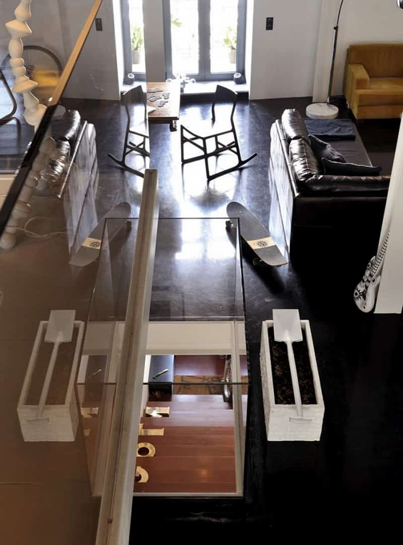 neoclassical house transformed into an urban apartment10