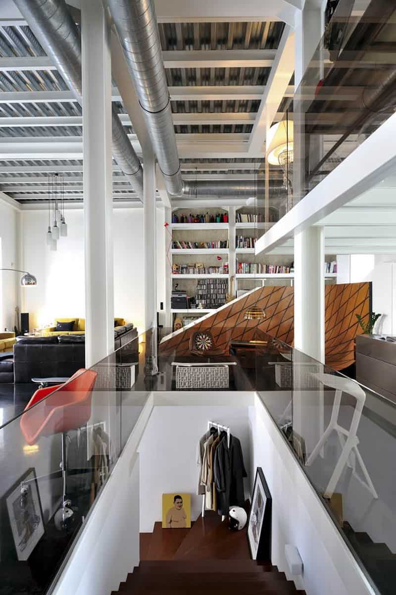 neoclassical house transformed into an urban apartment3
