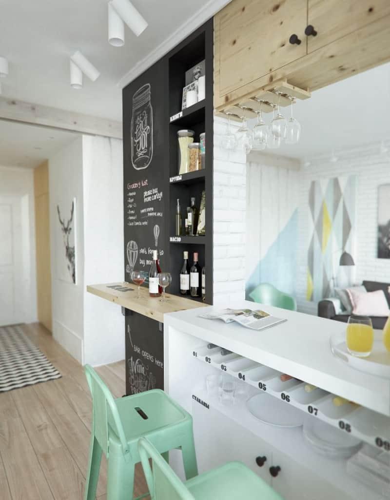small comfortable apartment in pastel tones3
