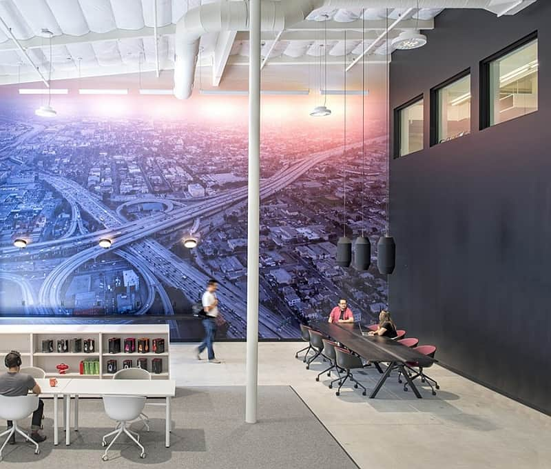 Offices that allow greater interaction between employees1