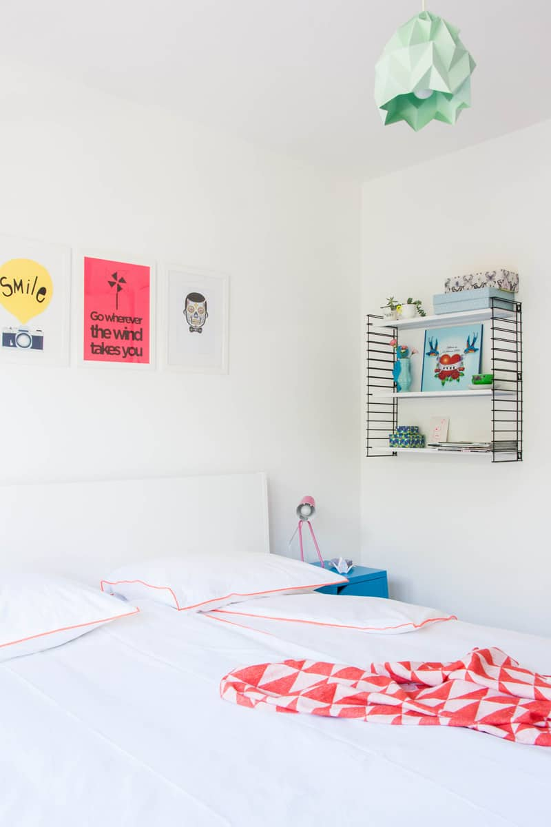Cheerful and minimalist Dutch bedroom1