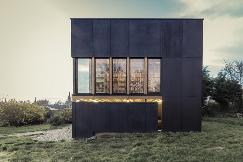 House fully dedicated to the enjoyment of reading2