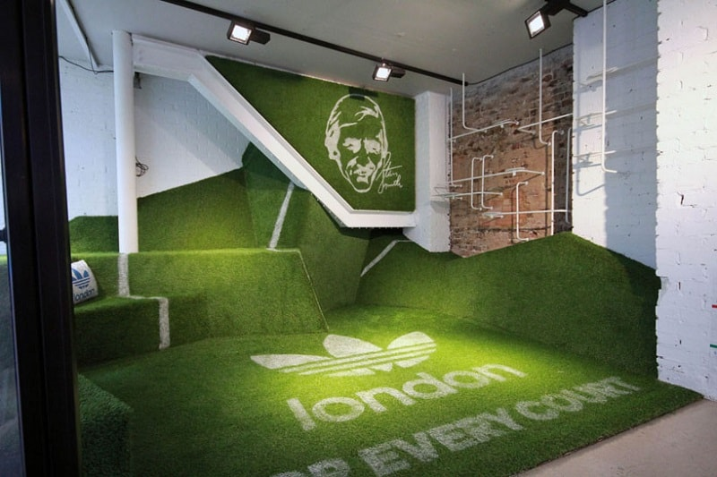 Adidas store decorated like a small tennis court2