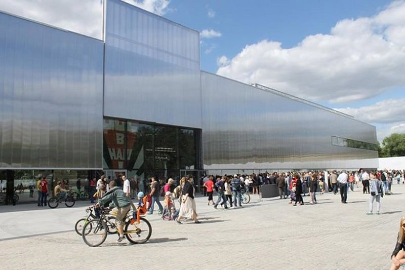 REM KOOLHAAS–DESIGNED GARAGE MUSEUM OPENS IN MOSCOW3
