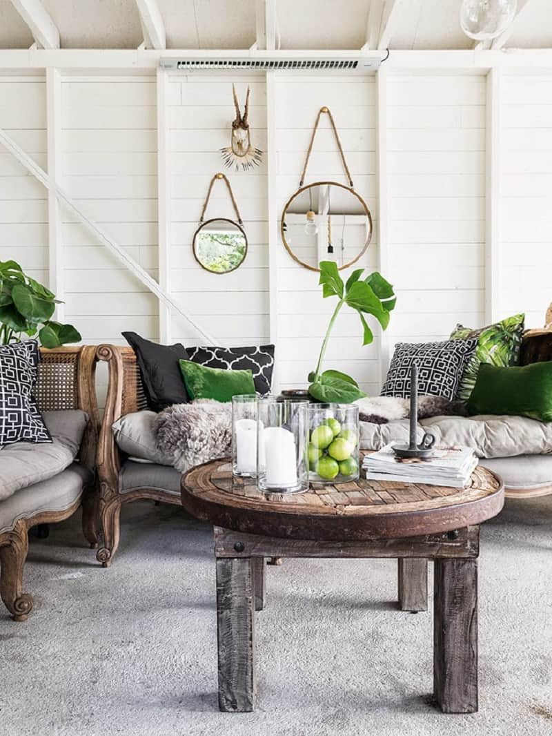 A small boathouse decorated in Scandinavian style1