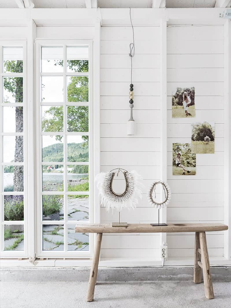 A small boathouse decorated in Scandinavian style2