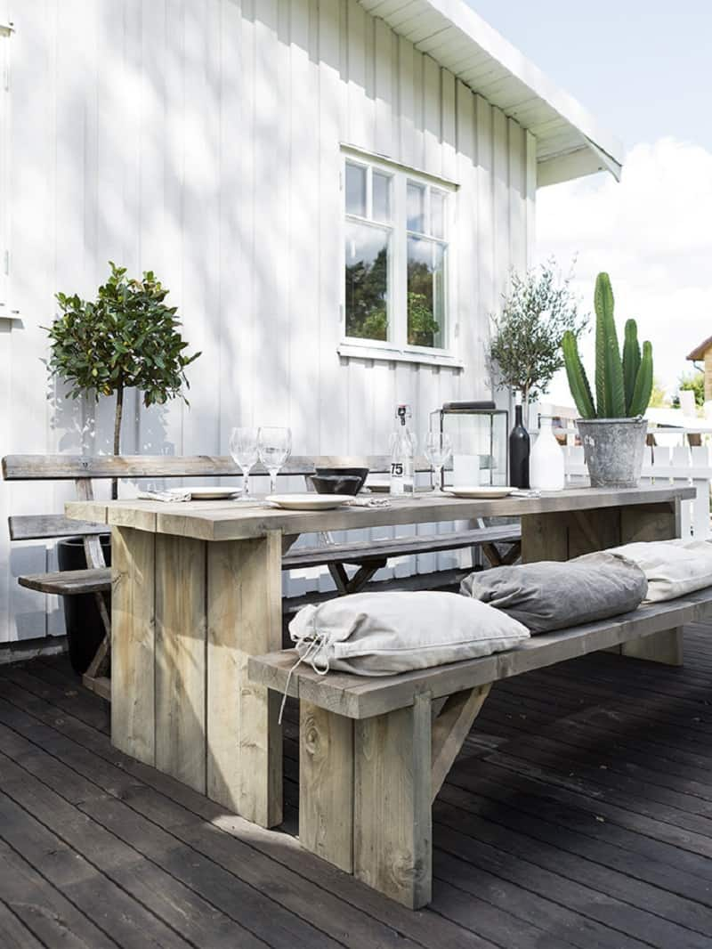 A small boathouse decorated in Scandinavian style4