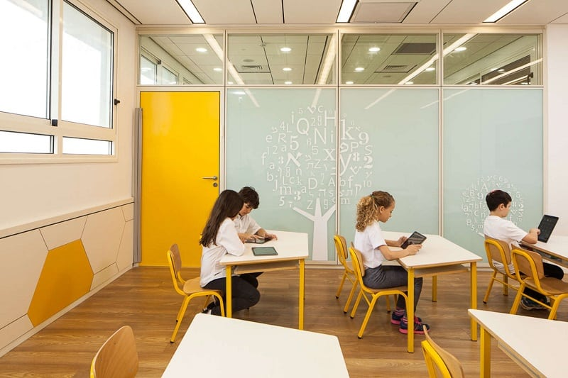 Awesome school in Israel with playful interior2