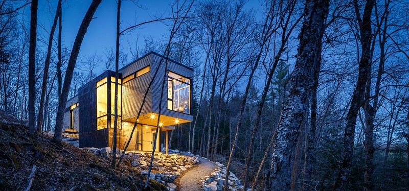 Relaxing cottage in the middle of a forest in Canada7