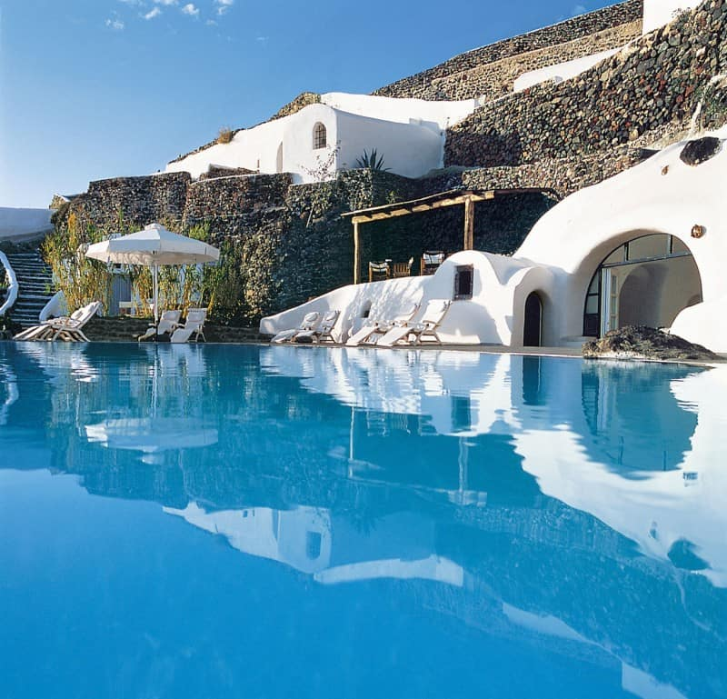 Intimate haven in Santorini