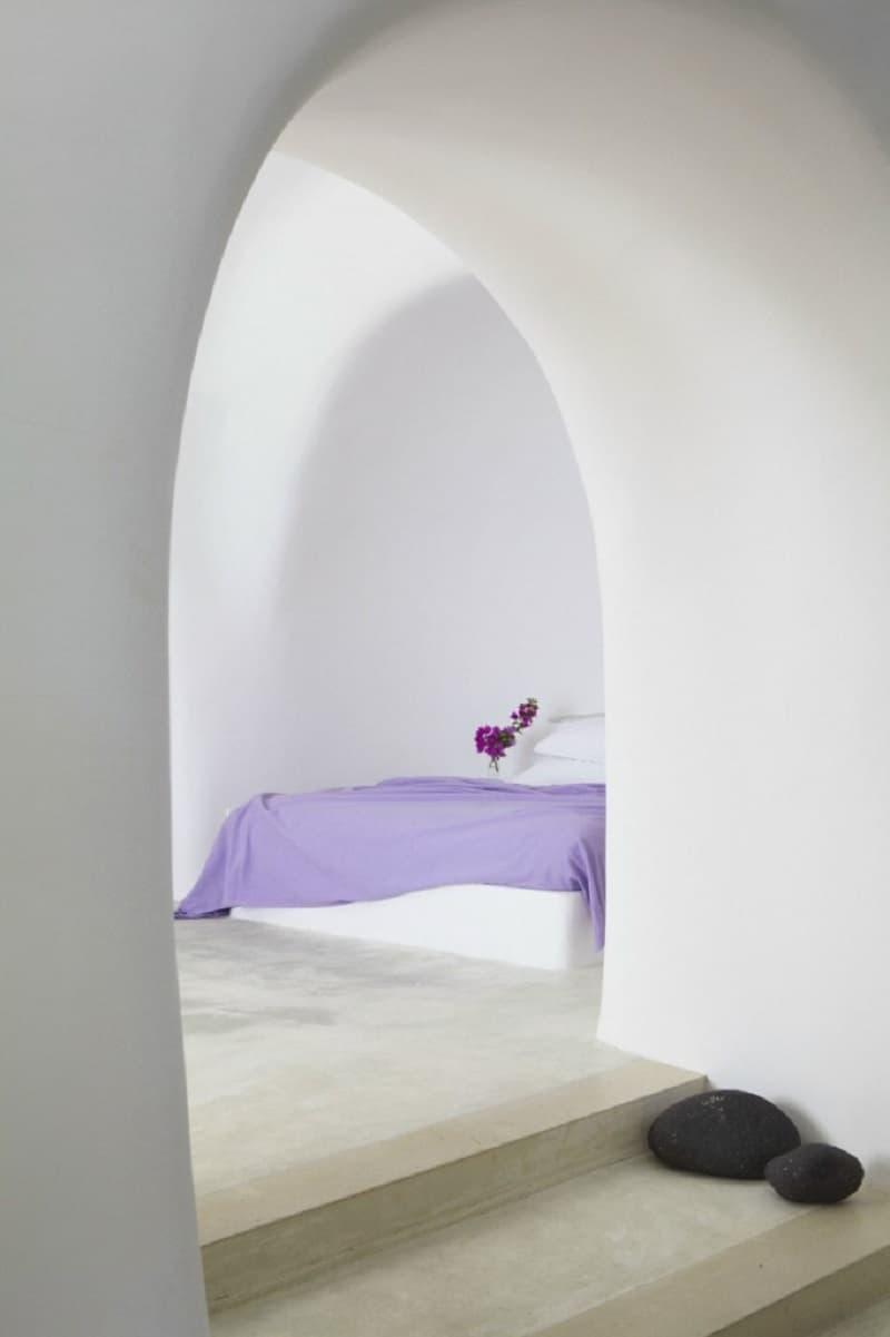 Intimate haven in Santorini8