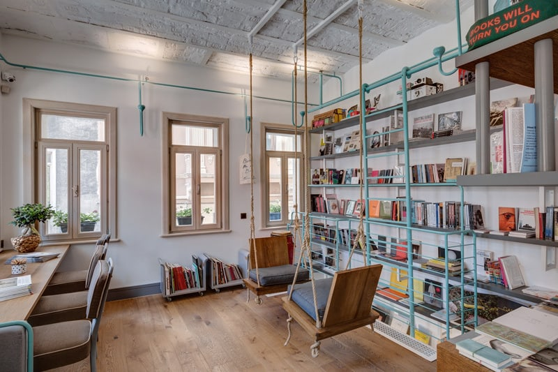 FiL Books -space dedicated for lovers of good books and coffee5