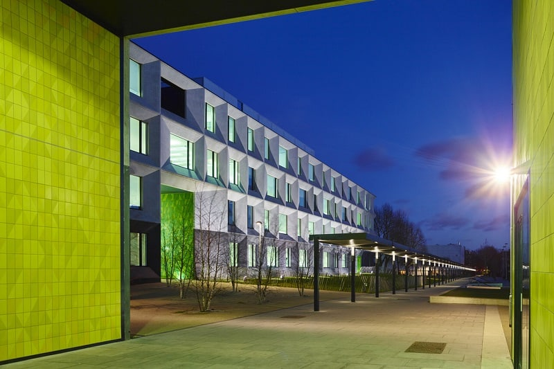 Secondary school with contemporary design in London6