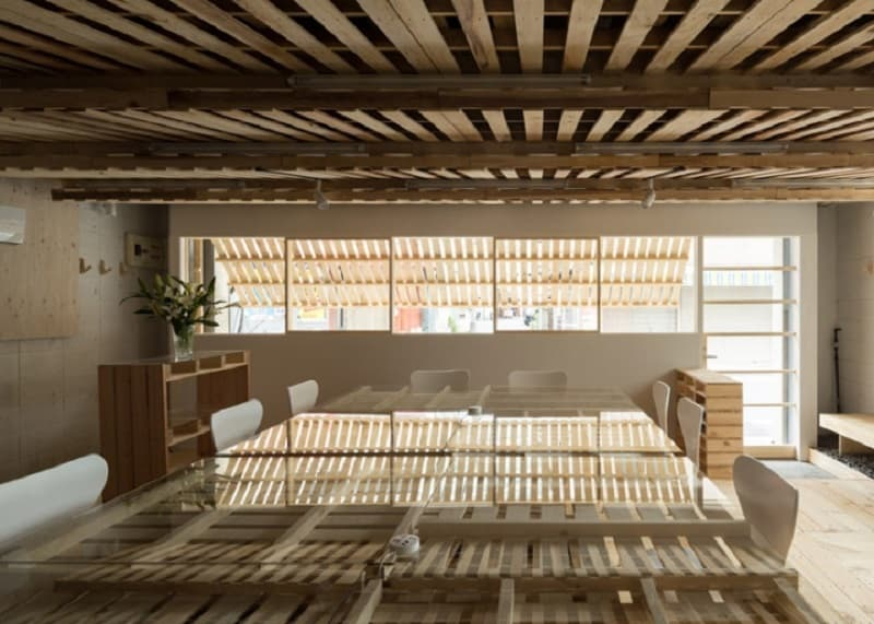 Tokyo office renovated with 130 shipping pallets1