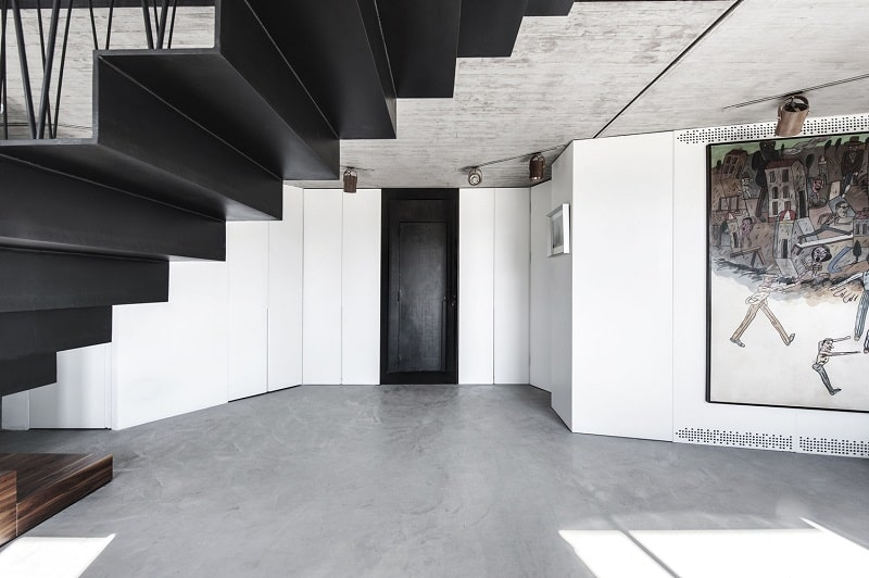 Elegant duplex with practical modular furniture4