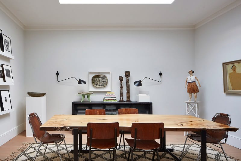 Old courthouse transformed into a refined apartment with vintage furniture and décor6