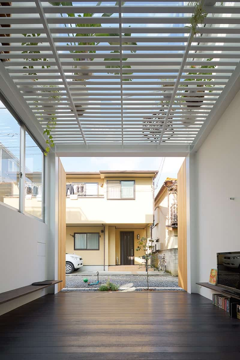 Small family house that breaks the barriers between the interior and exterior2