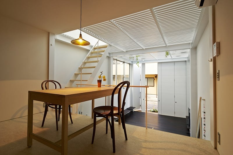 Small family house that breaks the barriers between the interior and exterior5