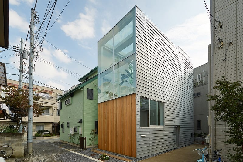 Small family house that breaks the barriers between the interior and exterior8