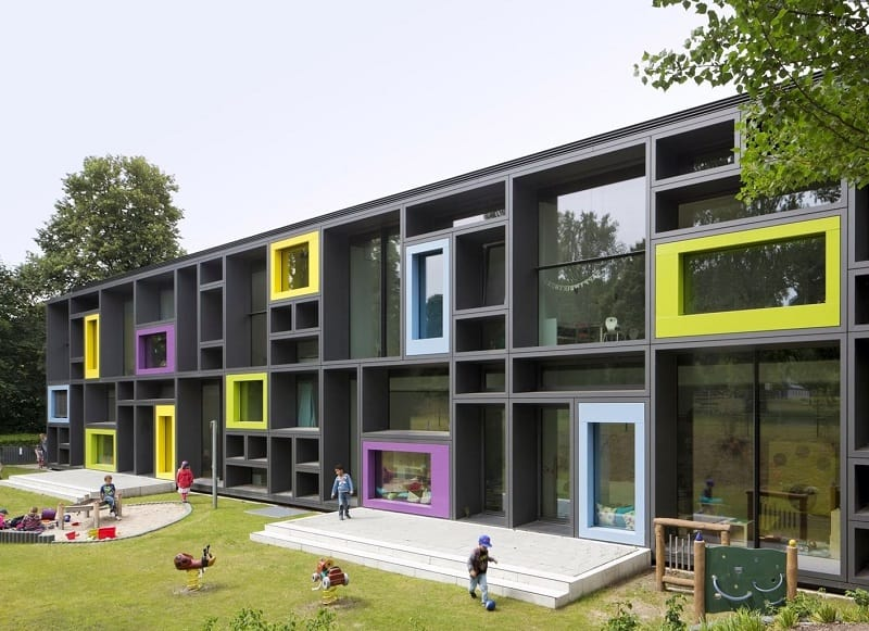 Children's daycare centre in Hamburg with a playful façade1