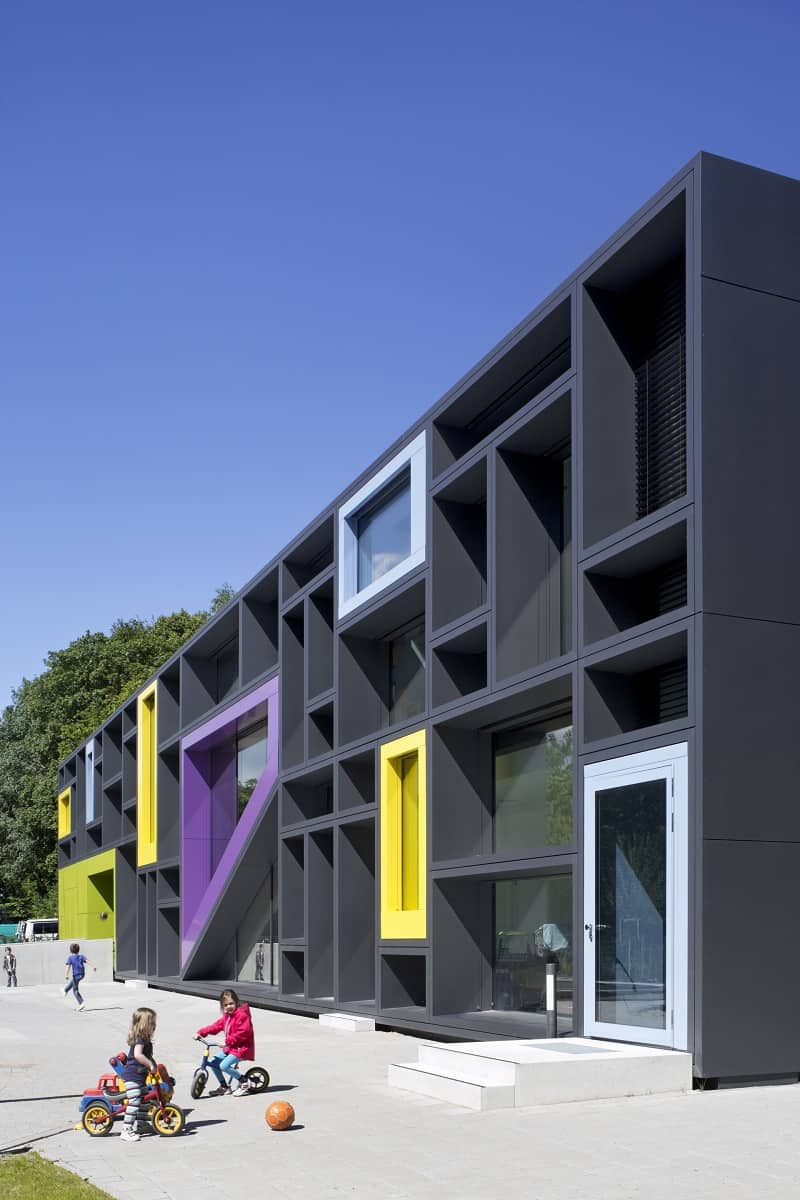 Children's daycare centre in Hamburg with a playful façade2