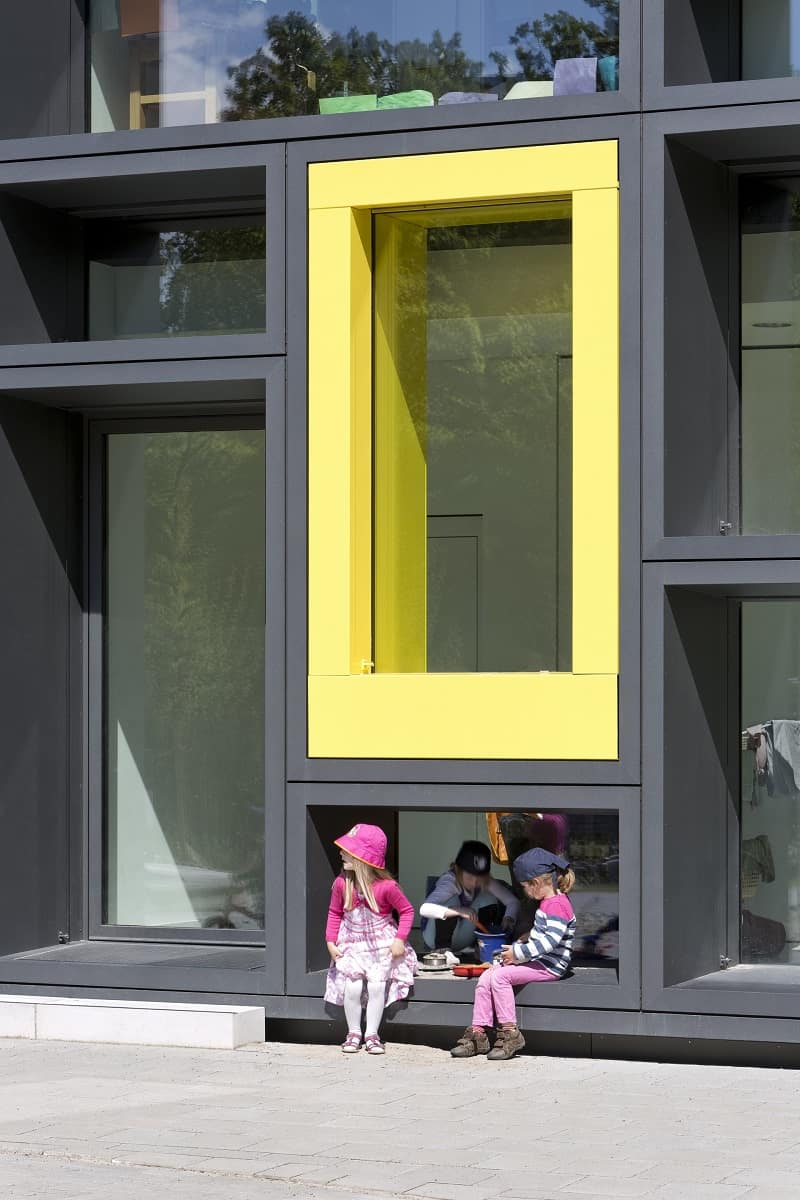 Children's daycare centre in Hamburg with a playful façade3