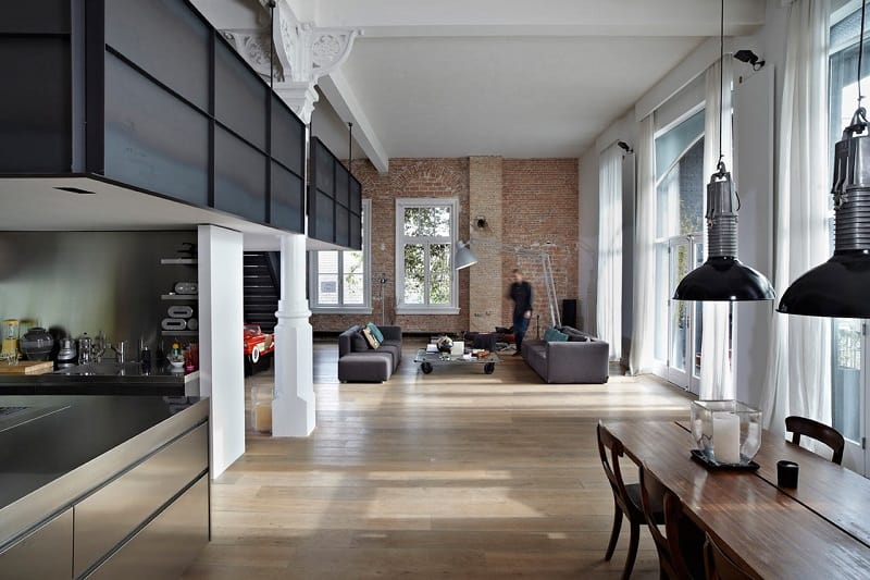Spacious apartment in industrial style1