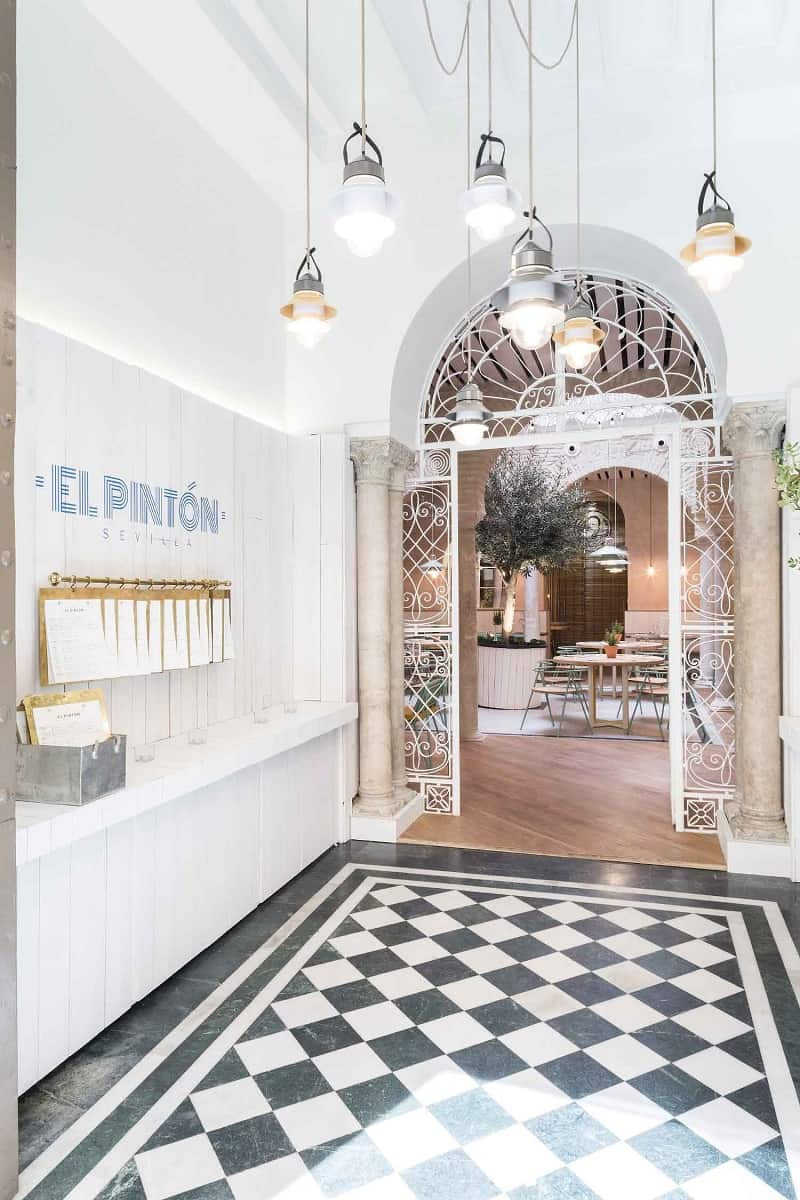 El Pinton, a small kingdom of the Mediterranean cuisine in Seville5