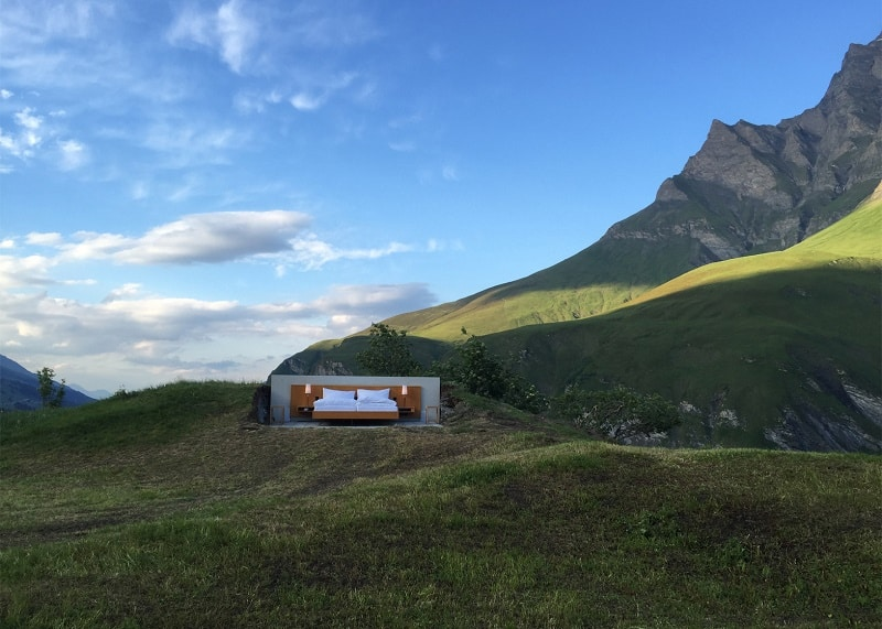 Hotel under the open sky on the Swiss Alps1