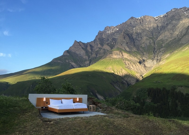 Hotel under the open sky on the Swiss Alps3
