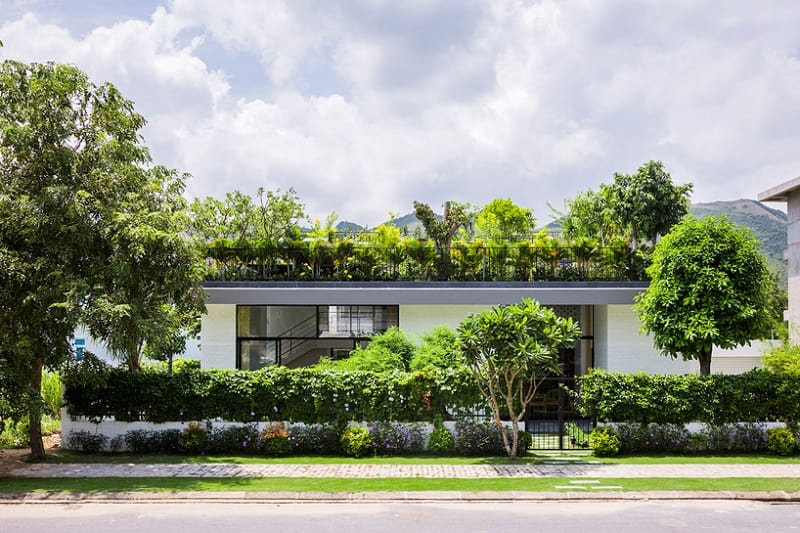 house-in-vietnam-with-a-green-rooftop-garden4
