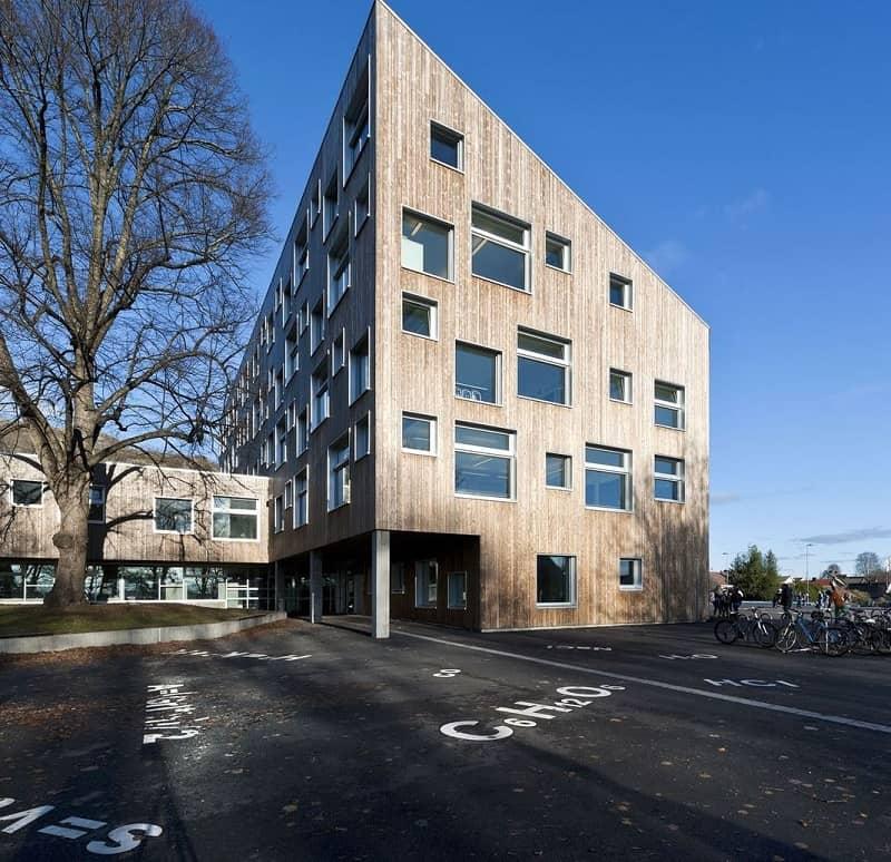 school-with-minimalist-architecture-in-norwegian-style1