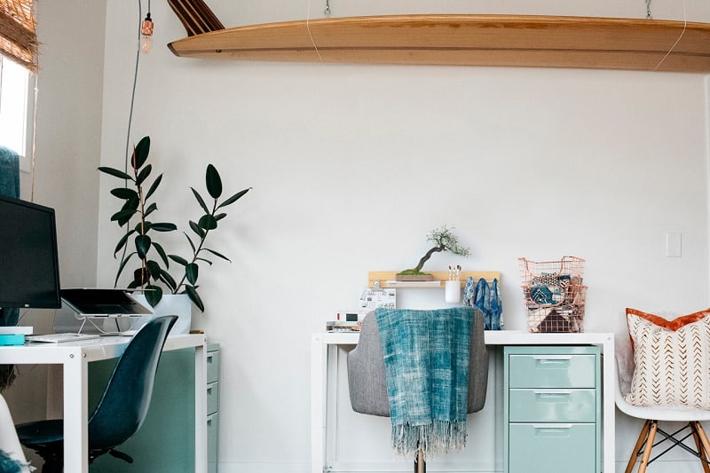 small-and-practical-shelves-for-your-home1