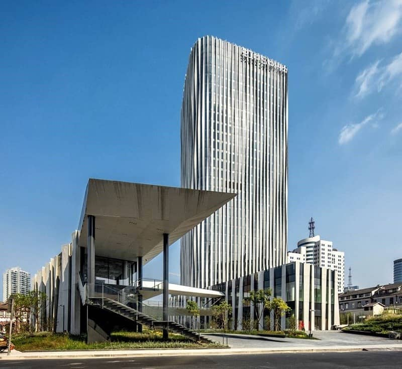 new-modern-business-center-in-shanghai-designed-by-kengo-kuma